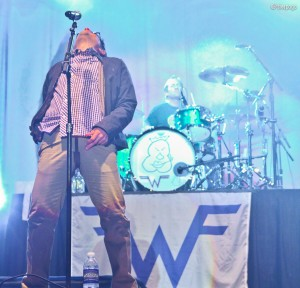 Weezer live at Aragon - 8th Jan. 2011